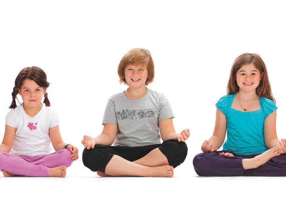Meditierende Kinder